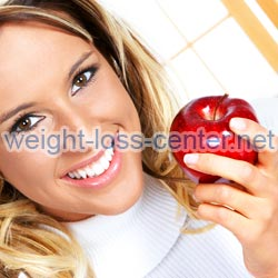 Choosing the right foods to eat before and after exercise can improve health and weight loss.