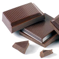 Eating dark chocolate in moderation can offer many health benefits, including an increase in weight loss.